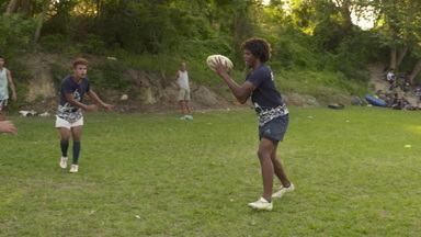 Jovens do Morro do Castro, em São Gonçalo, encontram no rugby uma oportunidade de desenvolvimento social - Jovens do Morro do Castro, em São Gonçalo, encontram no rugby uma oportunidade de desenvolvimento social