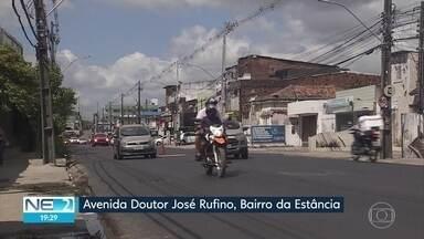 Avenida Doutor José Rufino pode ser usada nos dois sentidos, depois de obras - Mesmo assim, faltam pintura e colocação de tampas de bueiros