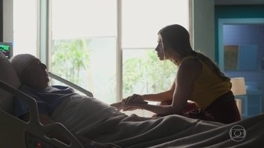 Alberto conta que só lembra de Paloma - Alberto se esquece de todos da sua família