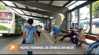 Inaugurado novo terminal de ônibus em Bagé - Estrutura no calçadão da cidade tem quase cinco metros de altura e 36 metros de largura.