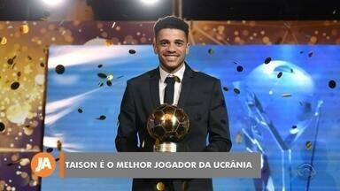 Taison e Carlos Eduardo são destaques no futebol - Pelotense foi eleito o melhor jogador da temporada na Ucrânia. Na série B do Brasileiro, goleiro do Brasil de Pelotas foi eleito o melhor da posição.