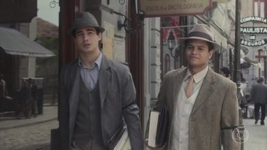 Carlos comenta com Marcelo sobre sua cisma com Mabel - Ele não se conforma por ela não o apresentar à sua família e acha que é mimo de menina rica