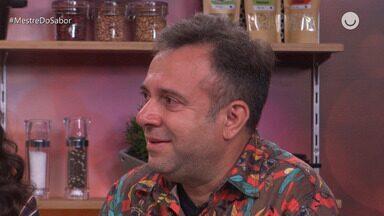 'Fora da Cozinha' Confira a emoção de André Barros após mensagem de Leo Paixão. - Maria Joana e convidados no programa 'Fora da Cozinha'