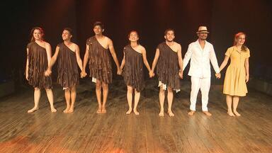 Espetáculo inspirado em lenda do boto é apresentado em Rio Branco - Espetáculo inspirado em lenda do boto é apresentado em Rio Branco