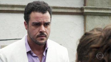 Rita insinua que, se Joaquim não falar a verdade para Lígia, ela contará - A jovem questiona que exemplos Joaquim pretende dar para Nina