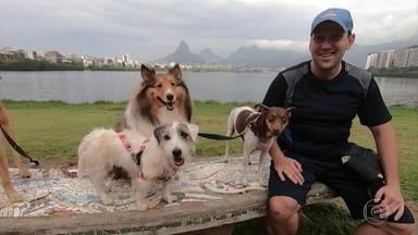 O que fazer com o seu bichinho de estimação durante as suas férias? - O repórter Renato Cunha conversou com um adestrador, uma veterinária, com donos e com cuidadores de animais para dar dicas de como garantir que o seu cão ou gato fiquem felizes da vida mesmo na sua ausência.