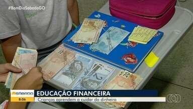 Pequenos já aprendem a lidar com dinheiro em escola de Goiânia - Professora conta como Educação Financeira deve ser aprendida desde cedo.