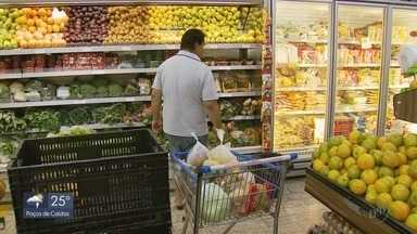 Preço da cesta básica registra aumento de mais de 14% em Varginha, MG - Preço da cesta básica registra aumento de mais de 14% em Varginha, MG