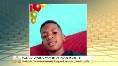 Adolescente morre enquanto usava celular conectado à tomada - Wender Santos Bezerra, de 13 anos, morava com a família, em Montes Claros, MG. Ele foi encontrado caído no quintal de casa pelo irmão mais novo. A Polícia investiga o caso.