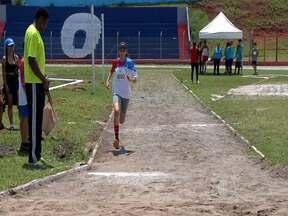 Festival de atletismo reúne jovens e estrela do esporte em Suzano - Competição, que homenageou o medalhista pan-americano Jefferson Sabino, também incentivou a prática do atletismo entre os jovens.