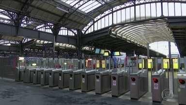 Greve geral na França volta a paralisar serviços de trem e metrô - Movimento é contra a reforma da Previdência proposta pelo presidente Emmanuel Macron.