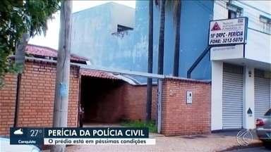 Prédio da perícia da Polícia Civil em Uberlândia está em péssimas condições - Construção de um novo prédio chegou a ser anunciada pelo Estado em 2012, mas o projeto não se concretizou.