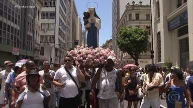 Fiéis celebram em Salvador o dia da padroeira da Bahia - Milhares de fiéis celebraram neste domingo (8), em Salvador, o dia de Nossa Senhora da Conceição da Praia, padroeira da Bahia.