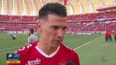 Victor Cuesta fala sobre seu primeiro gol em 2019 - Assista ao vídeo.