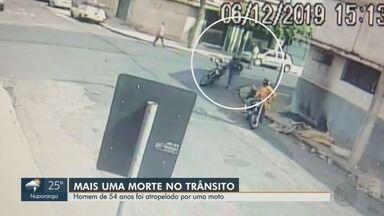 Morre homem de 54 anos atropelado por moto nos Campos Elíseos em Ribeirão Preto - Acidente ocorreu na sexta-feira (6) no cruzamento entre as ruas São Paulo e Fernão Sales.