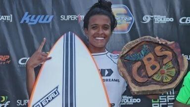 Santista Júlia Santos se consagra campeã brasileira de surf profissional - Surfista levou o título do Circuito da Confederação Brasileira de Surf.