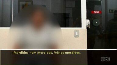 """Pais são presos suspeitos de agredir filho adotivo em Londrina - Eles disseram que intenção era """"corrigir"""" e """"educar"""" menino."""