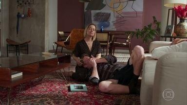 Lígia e Filipe conversam sobre Joaquim - A mãe de Filipe tenta consolar seu filho e acabam conversando sobre Rita