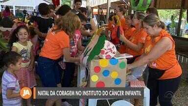 Instituto do Câncer Infantil promove o Natal da Coragem na Capital - Assista ao vídeo.