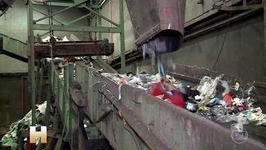 Operação contra pirataria apreende 30 toneladas de produtos ilegais em São Paulo - Foram fechados 116 boxes. As empresas estimam que em 2019 o Brasil perdeu 170 bilhões de reais com produtos falsificados. Todo o material apreendido é destruído