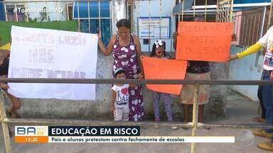 Pais e alunos protestam contra o fechamento de escolas públicas inclusivas em Salvador - Eles manifestam em diferentes pontos da capital baiana.