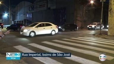 Interdição modifica trânsito na Rua Imperial, no Recife - Ação ocorre no bairro de São José.