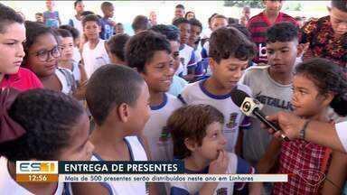 Mais de 500 presentes serão distribuídos pelo papai Noel dos Correios em Linhares, ES - Ação contou com vários voluntários na cidade.