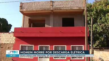 Homem morre por descarga elétrica e outro segue internado em Santarém - Acidente aconteceu no início da tarde de quarta-feira (11).