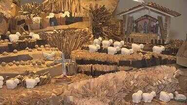 Mais de 200 pessoas participaram da montagem de presépios expostos em Belo Horizonte - Os seis presépios foram feitos usando materiais recicláveis com releituras do momento do nascimento de Cristo.