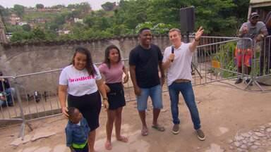 """'Primeira Chance' ganha reforma no Morro da Coruja em São Gonçalo - O projeto """"Primeira Chance"""" existe há quatro anos na casa do Douglas"""