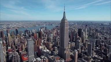 Empire State já brilhou em mais de 200 filmes - Em diversas produções, o ponto turístico foi usado para encontros românticos. Em 'King Kong', um clássico do cinema, é no prédio que o gorila sobe para combater os helicópteros que o atacam.