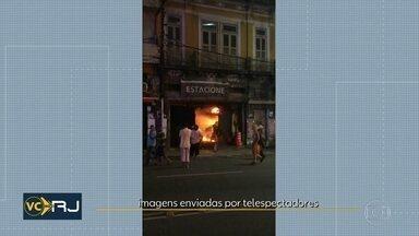 Loja pega fogo na rua Sacadura Cabral, no Centro do Rio - Ninguém ficou ferido.