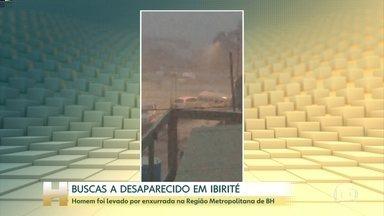 Bombeiros buscam homem que foi levado por enxurrada em Belo Horizonte (MG) - A chuva forte alagou ruas e avenidas. Imagens feitas por moradores da cidade mostram carros sendo arrastados pela enxurrada. Segundo os Bombeiros, o homem estava em um desses carros.