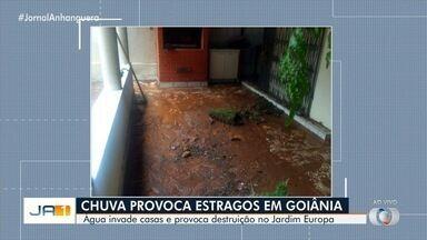 Chuva provoca estrago em vários pontos de Goiânia - Água invadiu casas e provocou destruição no Jardim Europa.