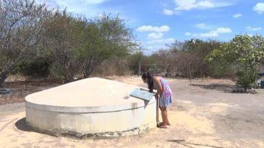 Famílias vivem drama da falta de água em Pio IX, no Sul do Piauí - Famílias vivem drama da falta de água em Pio IX, no Sul do Piauí
