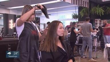 Fim de ano aumenta procura por serviços de estética - Em Ribeirão Preto, o setor de beleza está com vagas abertas de emprego.