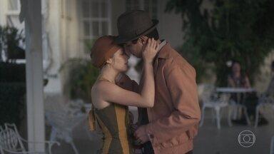 Mabel e Carlos se entendem - Ele afirma para Marcelo que não quer magoar a jovem