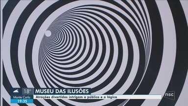 'Museu das Ilusões' atrai curiosos em Balneário Camboriú; conheça - 'Museu das Ilusões' atrai curiosos em Balneário Camboriú; conheça