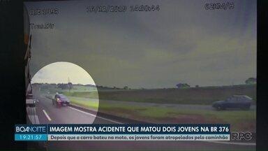 Imagens de caminhão mostram como foi acidente que vitimou duas pessoas em Maringá - Depois que o carro bateu na moto, os jovens foram atropelados pelo caminhão.
