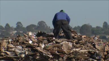 Câmara conclui votação de novas regras para o saneamento básico - Projeto acaba a preferência das empresas públicas estaduais e permite que empresas privadas tenham o direito de prestar serviços de saneamento básico, participando de licitações.