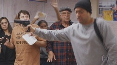 Zorra - Programa do dia 21/12/2019, na íntegra - Humorístico aborda questões da sociedade e seus costumes em esquetes rápidos, piadas visuais e muita música. Tem redação final de Marcius Melhem, Celso Taddei e Gabriela Amaral, direção geral de Mauro Farias e direção de núcleo de Maurício Farias.