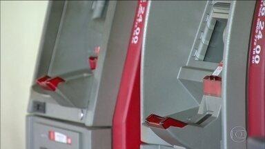 Banco Central quer liberar saques de clientes em caixas eletrônicos de qualquer banco - Consulta pública termina em fevereiro.