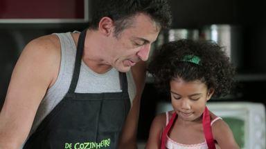 Pais E Seus Filhotes - Eliane entrou na vida de Hugo e Célio para cuidar da casa e se tornou família para o casal. Na Bahia, Iure percebeu que tinha melhores condições que a ex para cuidar dos filhos.