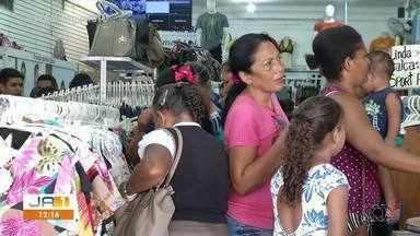 Comércio de Taquaralto lota de consumidores na véspera de Natal - Comércio de Taquaralto lota de consumidores na véspera de Natal