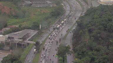 Atenção redobrada nas estradas de Minas, previsão é de chuva durante feriado de Natal - Motorista deve ter cuidado com a visibilidade e pista escorregadia, imprudência e excesso de velocidade são as principais infrações cometidas.