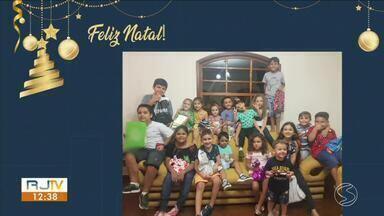 Telespectadores enviam fotos e vídeos desejando Feliz Natal - Veja a participação dos moradores da região no RJ1.
