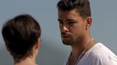 Jorginho acredita que Tufão vai se separar de Carminha - Ela pergunta se Rita ficará satisfeita se isso acontecer