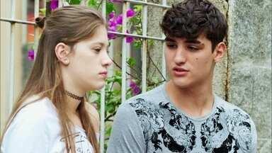 Tatoo pergunta se Anjinha esqueceu Cleber - Ela nega que o namorado esteja em segundo plano após a confusão envolvendo seu pai