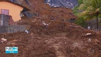 Polícia e governo investigam se vazamento de tubulação causou deslizamento que matou sete - Entre os mortos no desastre que ocorreu no bairro de Dois Unidos, na Zona Norte do Recife, está um bebê de dois meses.