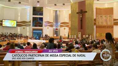 Católicos participam de missa especial de Natal - Natal é celebrado nesta quarta-feira, dia 25 de dezembro.